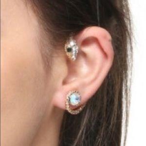 Jewelry - Snakehead design gold tone ear cuff